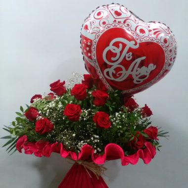 Love is in the Air - 18 + 1 rosas rojas + globo