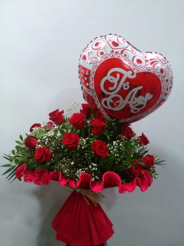 Love is in the Air - 18 + 1 rosas rojas + globo