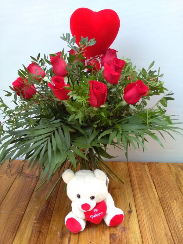Romántico - Docena de rosas + peluche + corazón grande