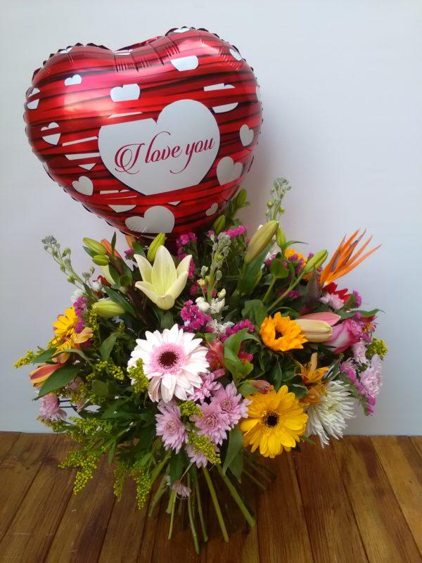 Bouquet pensamiento con globo